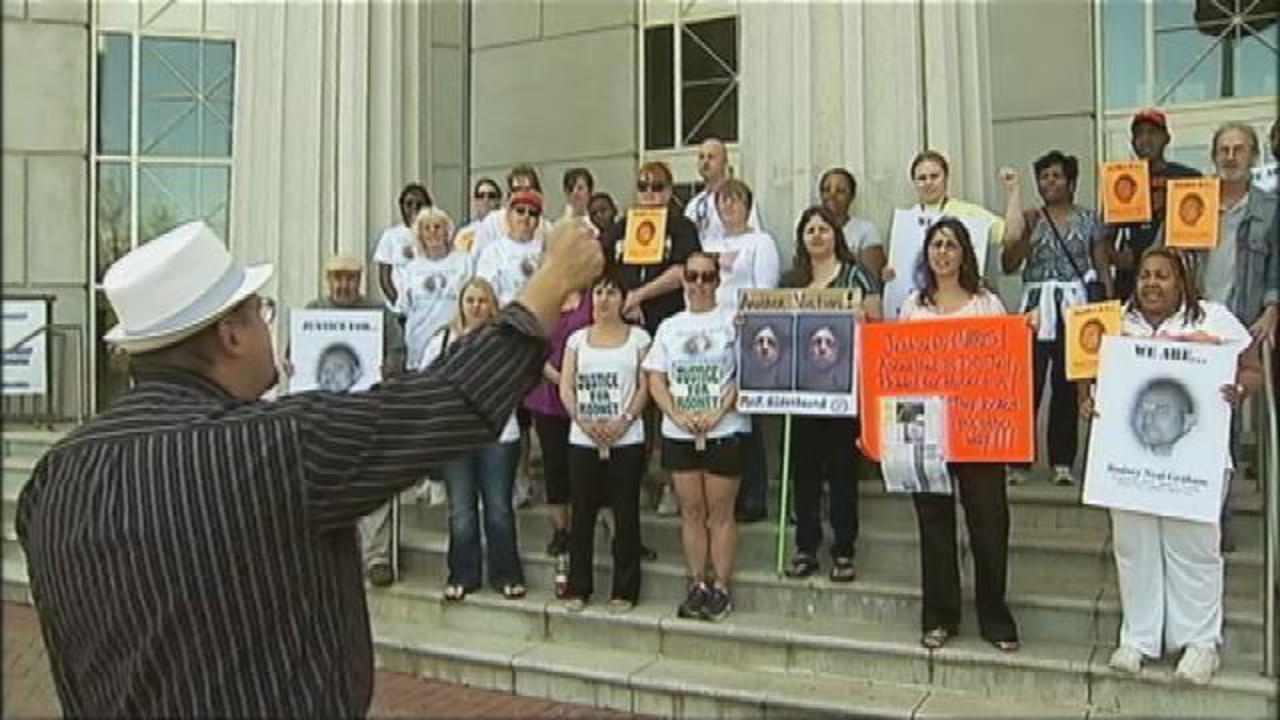 Protesters demand Douglas County sheriff to step down | WSB-TV