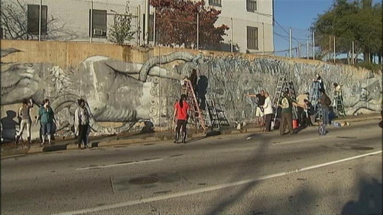 Upset neighbors paint over southwest atlanta mural wsb tv amipublicfo Choice Image