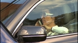 Lawmaker files bill banning drivers from talking on cell phones without hands-free device_6484982