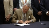 Governor signs failing schools bill; opponents call it a gimmick_7149479