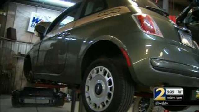 FIAT 500 owners complain about dangerous clutch problems | WSB-TV