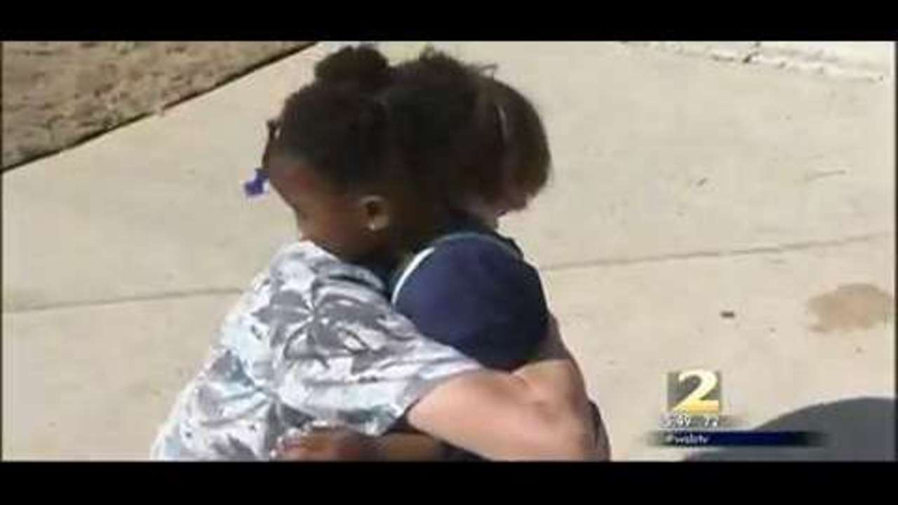 Viral video shows hero cop saving a little girl from drowning