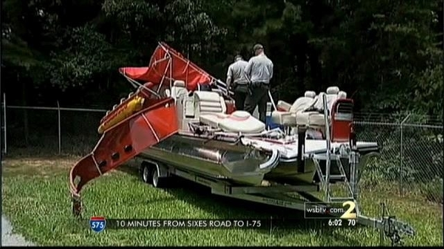 Witness recounts night of deadly boating wreck as search continues