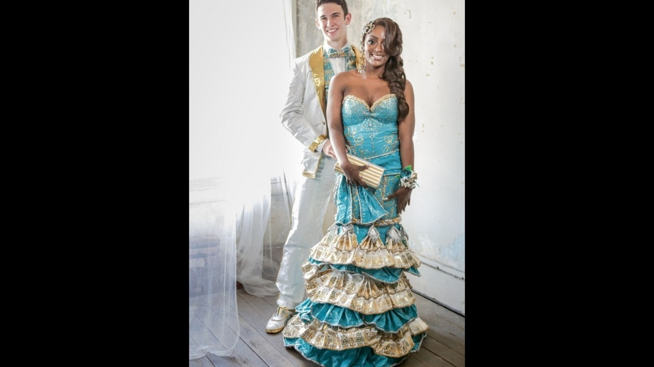 Duct Tape Prom Outfits Could Net Local Students 20000 Wsb Tv
