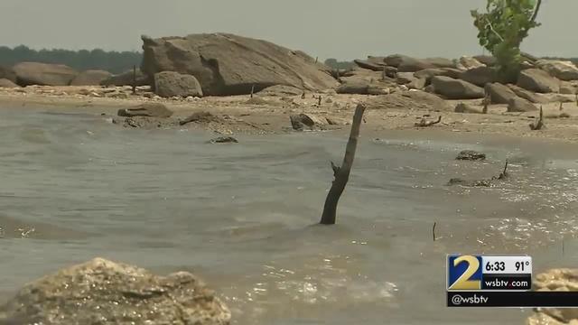 Lake Lanier water level falling due to drought | WSB-TV