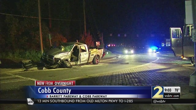 3 critically injured in Cobb County crash | WSB-TV