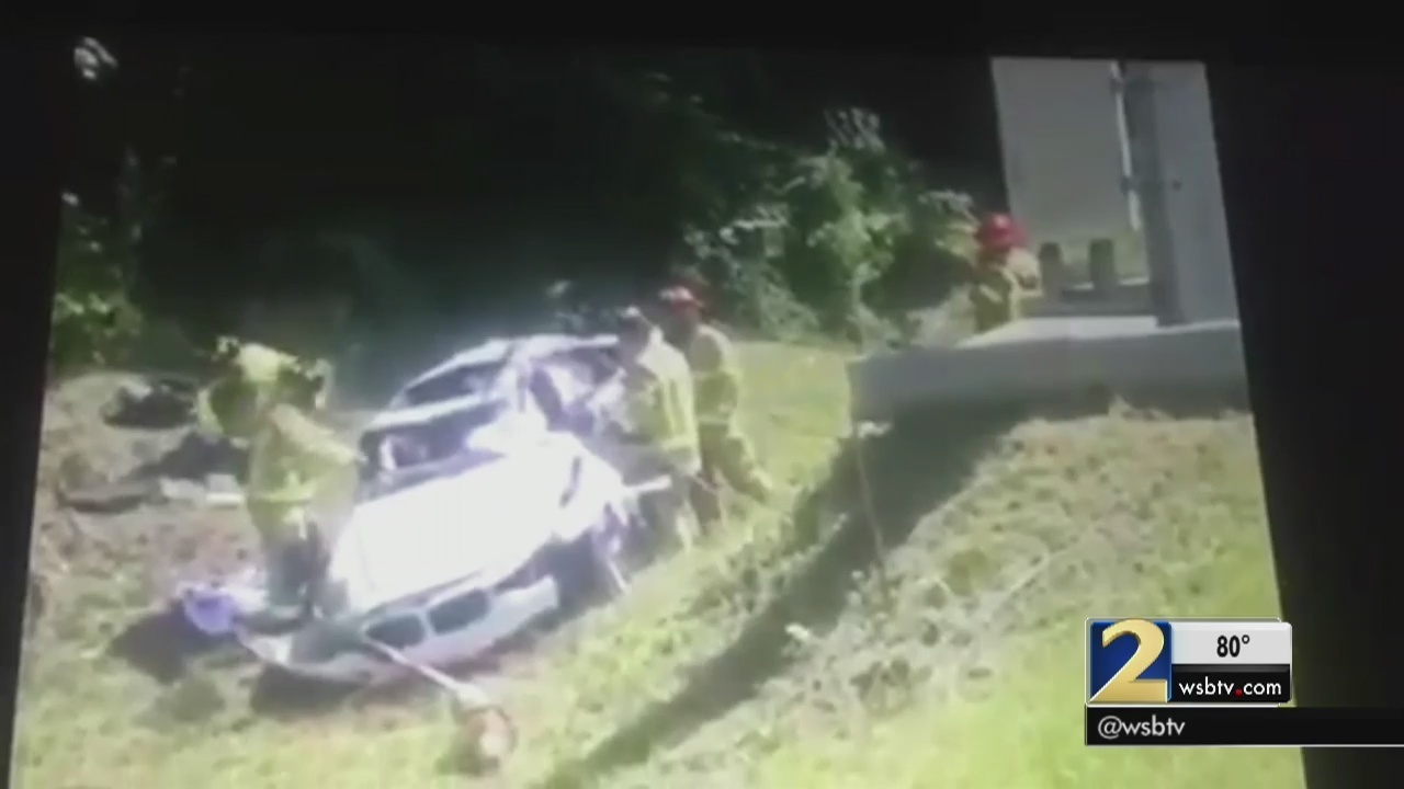 Good Samaritans rush to help I-285 crash victim | WSB-TV