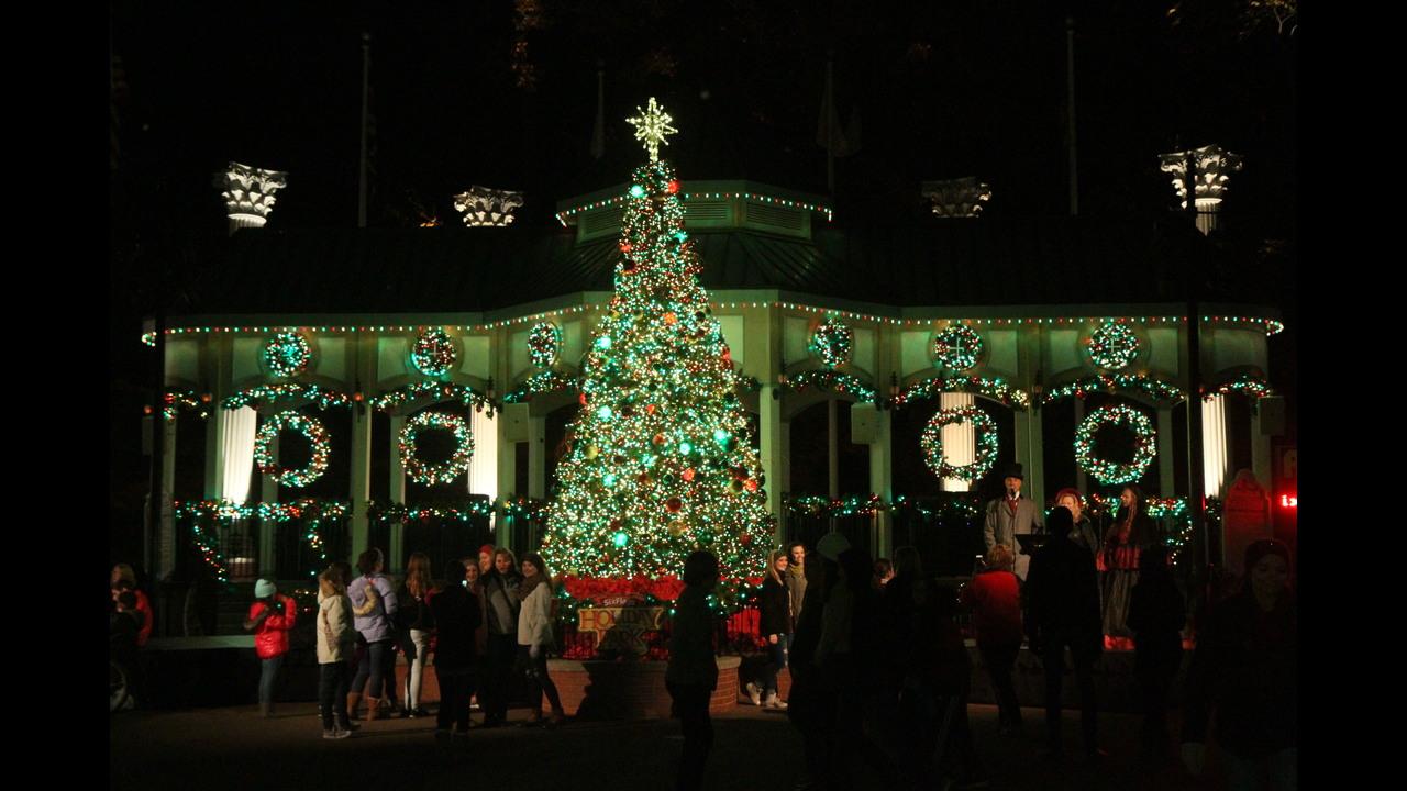 More than 1,000,000 Christmas lights fill Six Flags Over Georgia ...