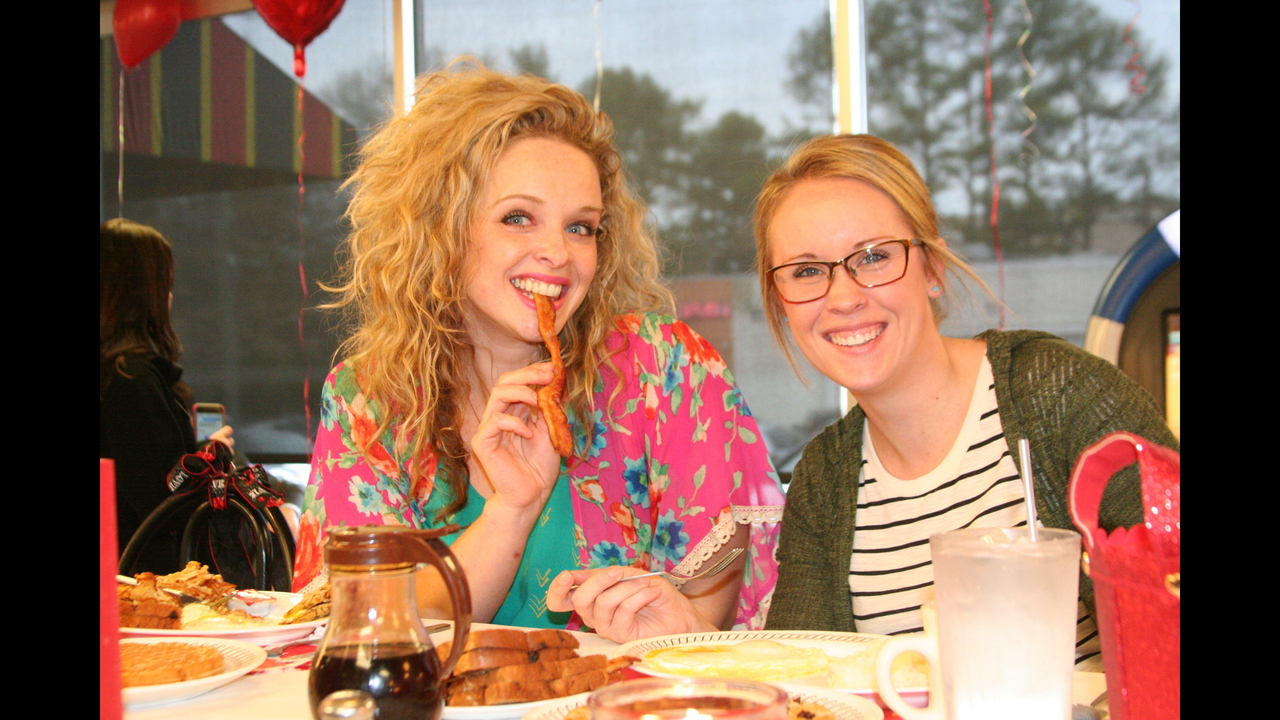 Valentineu0027s Day At Waffle House!