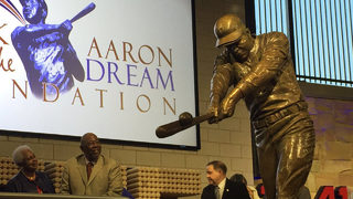 Honoring the true Home Run King: Braves unveil Hank Aaron statue