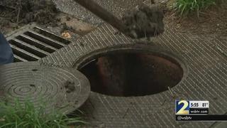 Atlanta city crews clean storm drains to prevent flooding