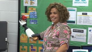 Elementary students make teacher
