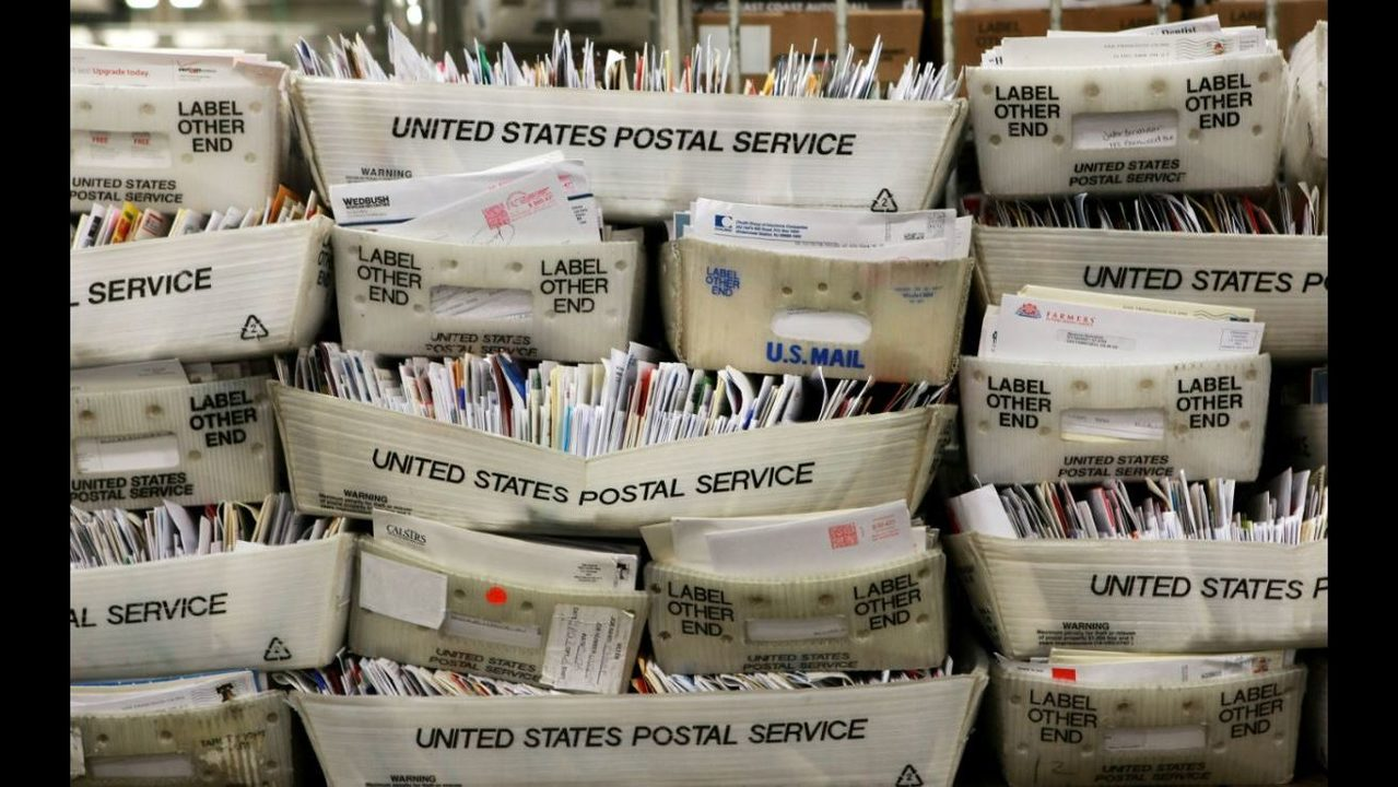COCAINE BUST: 16 U S  Postal Service workers accused of