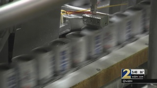 U.S. Labor Secretary thanks workers at Anheuser-Busch plant