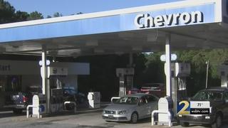 Police: Woman pretended to be deputy to cash checks