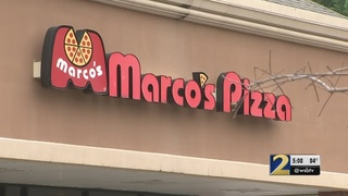 Gwinnett police search for gunman who shot manager outside pizza restaurant