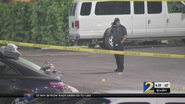 Man shot, killed outside DeKalb motel | WSB-TV