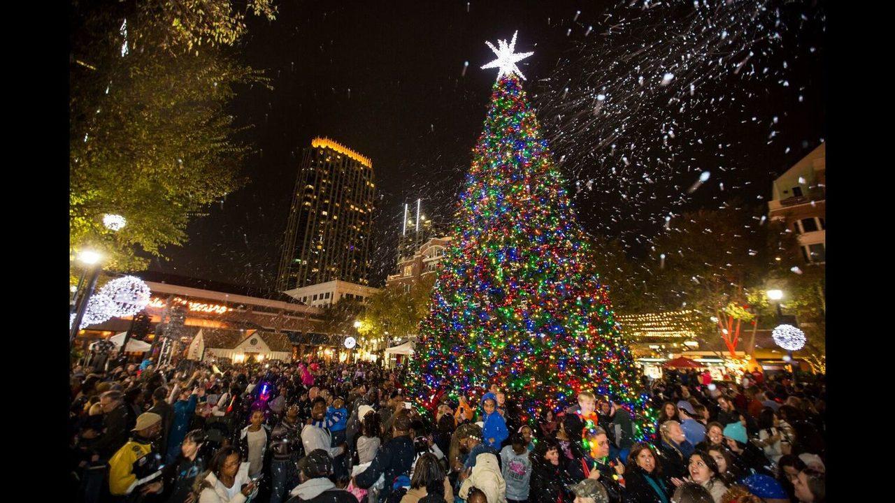 photo atlanticstationcom - Macys Christmas Decorations 2017
