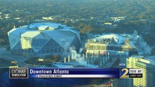 Hundreds react to Georgia Dome demolition from downtown Atlanta hotel