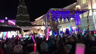 Santa, tree lighting, ice skating returns to Avalon on Nov. 18