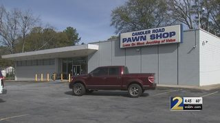 Video shows young thieves steal $9,000 worth of guns from pawn shop
