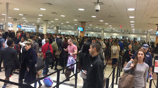 Flyers see long lines at Atlanta airport on busy travel day