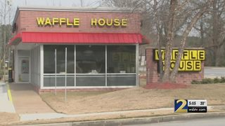 Witnesses say man pulled gun on Waffle House workers after order mix-up