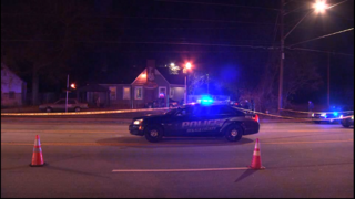 1 dead, 2 injured in shootout outside restaurant, police say