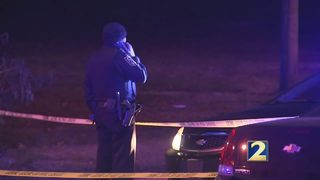1 dead, 2 injured in shootout outside local restaurant