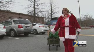 Local woman who lost her happiness gives it to others during holidays