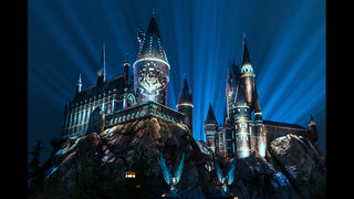 New Universal Studios attraction lets fans celebrate Hogwarts house pride