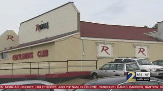 Gunman ambushes workers, robs restaurant