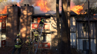 Apartment building goes up in flames in Dunwoody