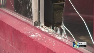 Thieves with guns take 10 cars from Atlanta dealership, owner says