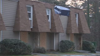 Residents say apartment owners left them living in deplorable conditions