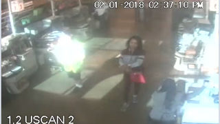 Alpharetta police warn thieves are distracting shoppers to steal from them