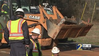 Crews work to repair water main break in Gwinnett County
