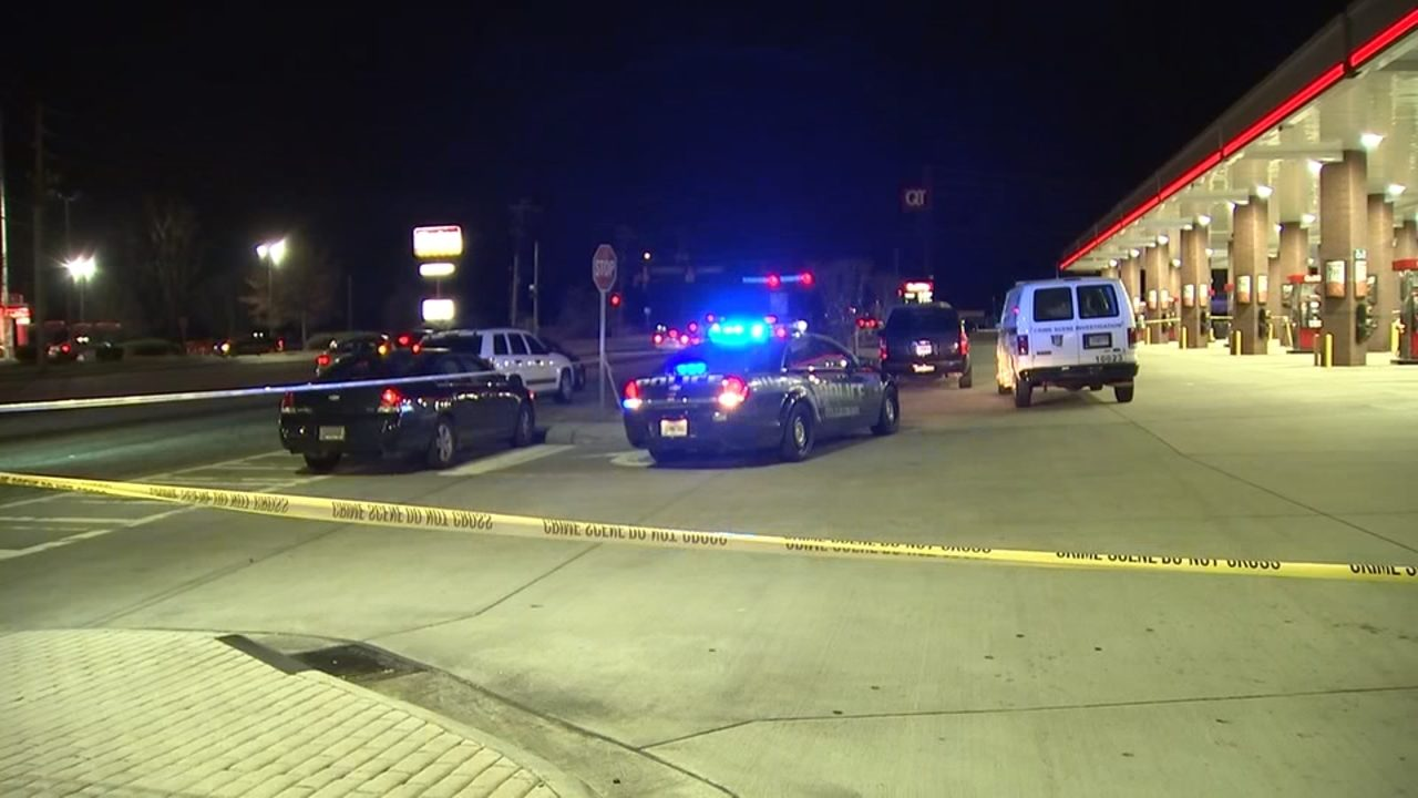 Double-shooting at convenience store leaves one dead, police