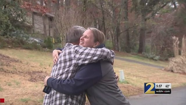 MAIL CARRIER SAVES MAN'S LIFE IN GEORGIA: This mail carrier noticed
