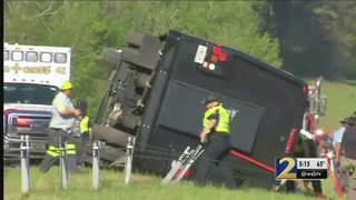More than a dozen injured when Masters-bound tour bus crashes on I-20