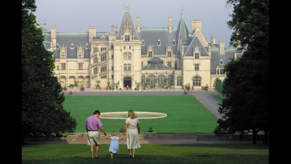 Biltmore Estate Explore Asheville Nc Vanderbilt Home Wsb Wsb Tv