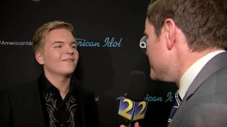 RAW: Caleb Lee Hutchinson is all smiles talking with Channel 2