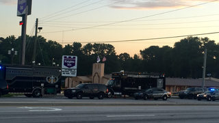 Attempted robbery at Waffle House leads to SWAT standoff, police say