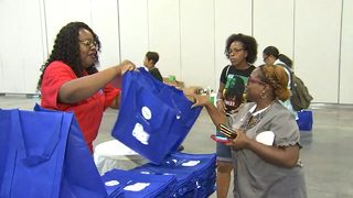 Kroger gives out free school supplies in downtown Atlanta