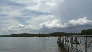 20-year-old woman dies after jet ski accident at Lake Lanier, officials say
