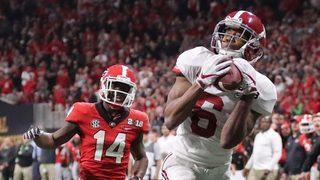 LOOK: Alabama trolls Georgia during halftime show in season opener