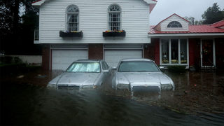 Wilmington, North Carolina pounded by wind, rain from Florence