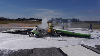 Small plane crashes at Gwinnett County airport