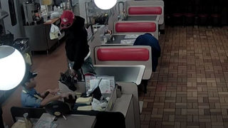 Waffle House cook shot during robbery was trying to protect others