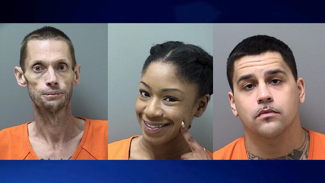 Woman smiles for bizarre mugshot after heroin arrest | WSB-TV